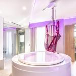 Vista della Suite Accessibile con vasca idromassaggio attrezzata con sollevatore da installare al bisogno